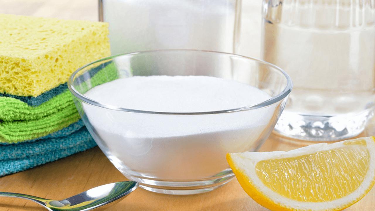 Soluție naturală împotriva mucegaiului făcută în casă